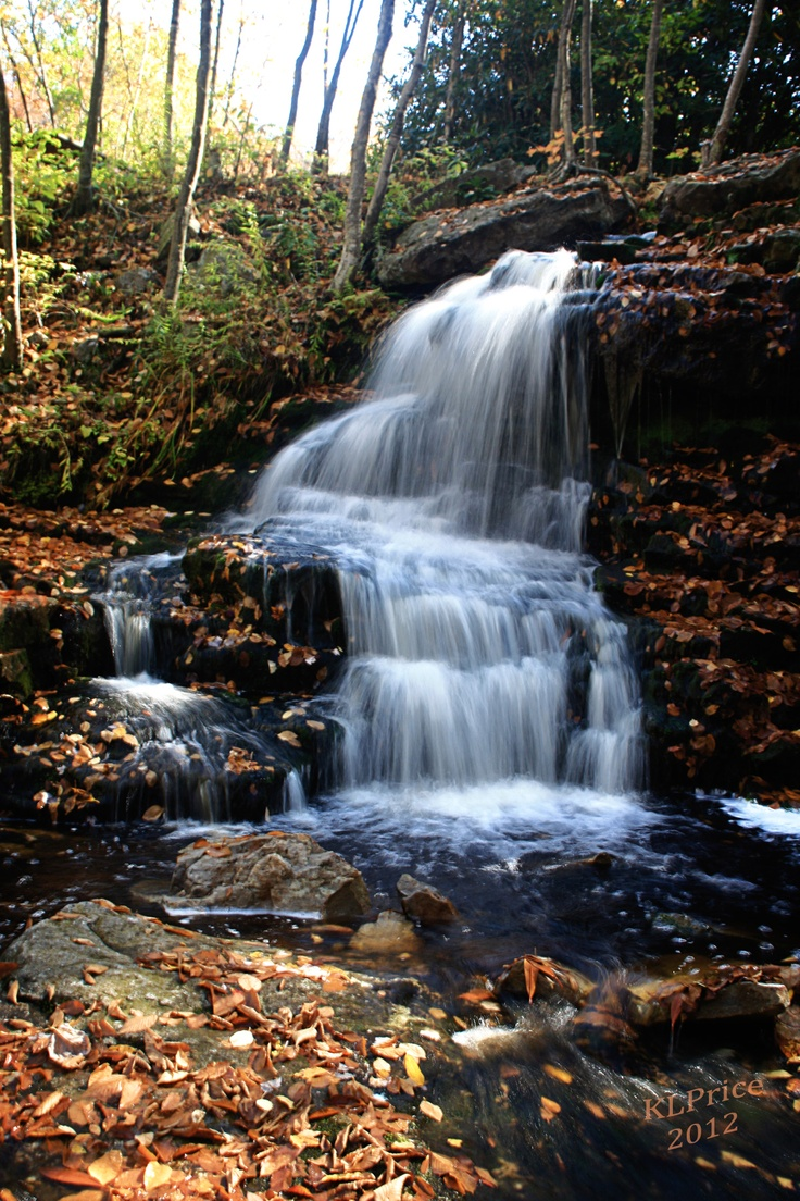 Waterfall at Francis E. Walter Dam in White Haven, PA ...