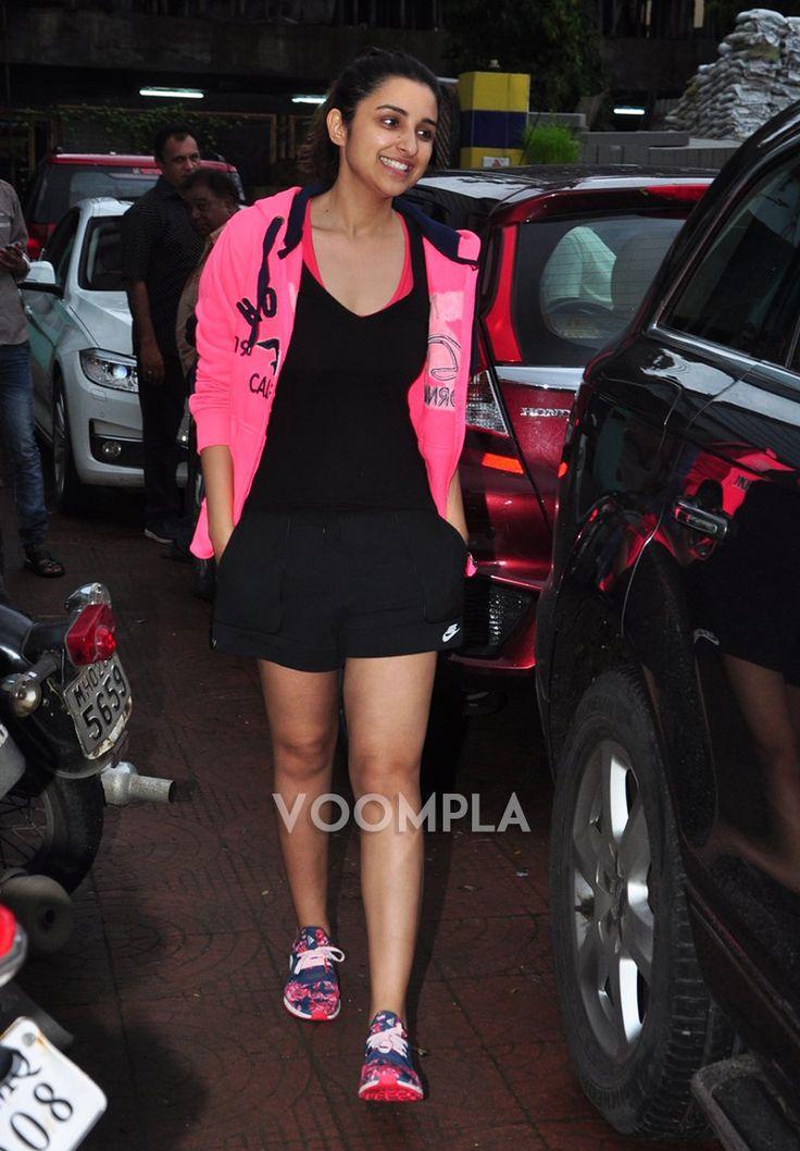 The bubbly Parineeti Chopra spotted enjoying a rainy day in Mumbai. via Voompla.com