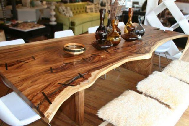 langer Baumstamm Tisch modern stilvoll originelle Konstruktion