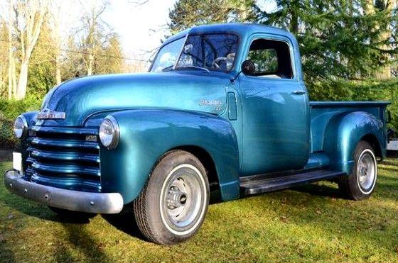 Une Chevrolet pick-up 3100 année 1948, moteur 235 CuIn, boîte manuelle 4 vitesses, véhicule de collection.
