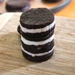 Raw & Sugar free Oreo Cookies...a healthy and delicious twist on an old favorite