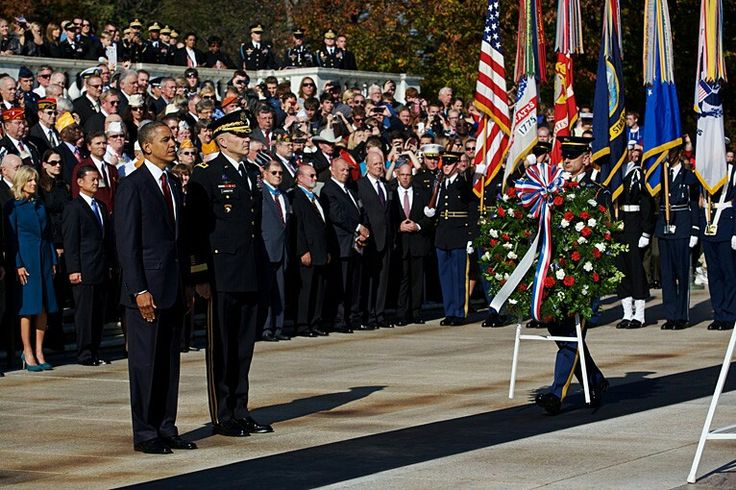Obama Visits Tomb of the Unknown Soldier On Veterans Day