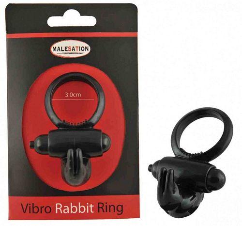 Malesation Vibro rabbit ring - sort fra Malesation - Sexlegetøj leveret for blot 29 kr. - 4ushop.dk - Penis ring som hjælper med en længere erektion samtidig med at dens rabbit vibrator stimulere klitoris på din partner.