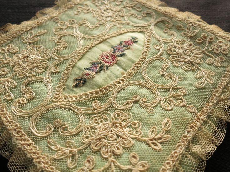 ROMANTIC Antique c1920 Green Satin Hankie Holder TAMBOUR LACE & PETIT POINT | eBay