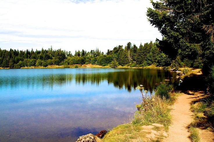 Lac de Servières - Département du Puy-de-Dôme - www.auvergne.fr