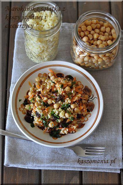 Marokańska sałatka z kaszy jaglanej i ciecierzycy