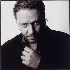Russell Crowe, 2001 (printed 2004) by Karin Catt