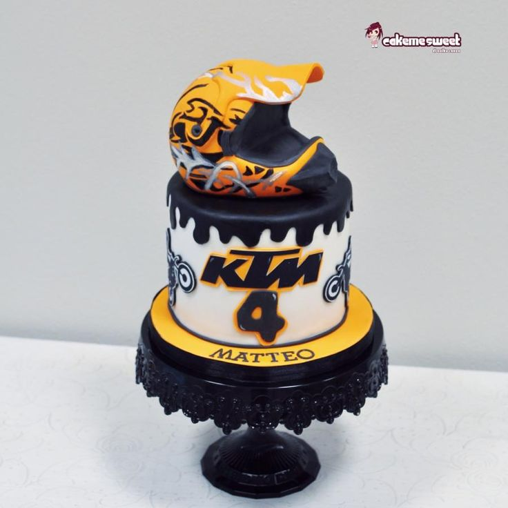 Dirty bike/motocross cake by Naike Lanza