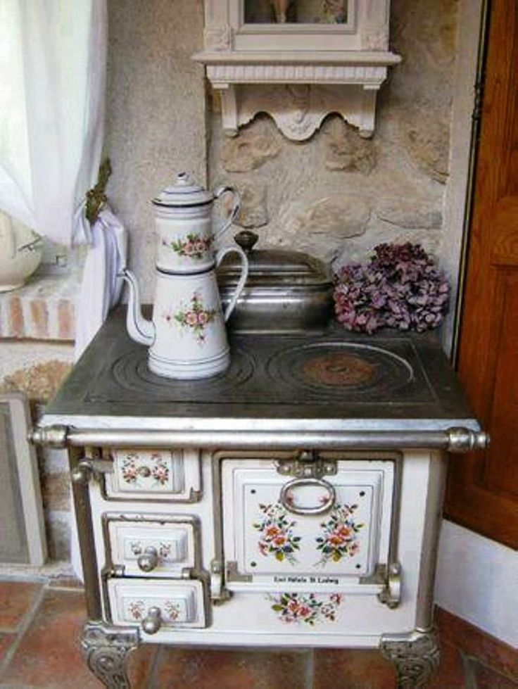 Cozy kitchen rose stove ~ yup...this would be the stove for me!