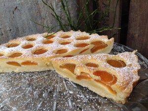 Tarte mit Aprikosen und einer Mandelcreme