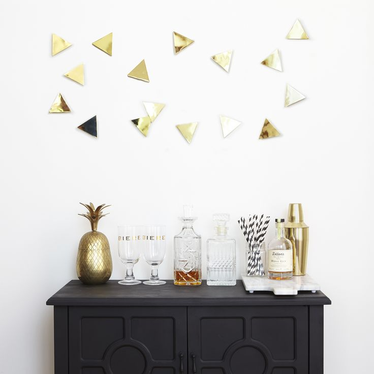 An easy way to make an impact update. Polished brass metal triangles come with…