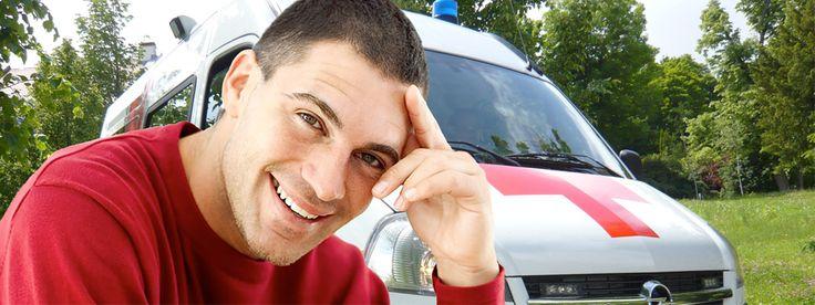 Munkatársaink - Aranyszív Ambulance: Kifogástalan megjelenésű munkatársak. Betegeinket mosollyal fogadjuk.
