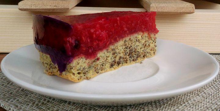 Bez lepku, bez cukru. Taká je malinová torta, ktorá ťa dokonale osvieži. Pochutí si na nej nejeden maškrtný jazýček. Pozri recept.