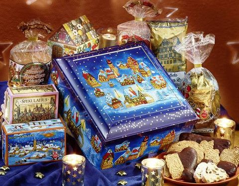 Lebkuchen Schmidt Winter Present Chest - I think this is my favorite Schmidt chest this year - to give or to get (hint!!) for Christmas!