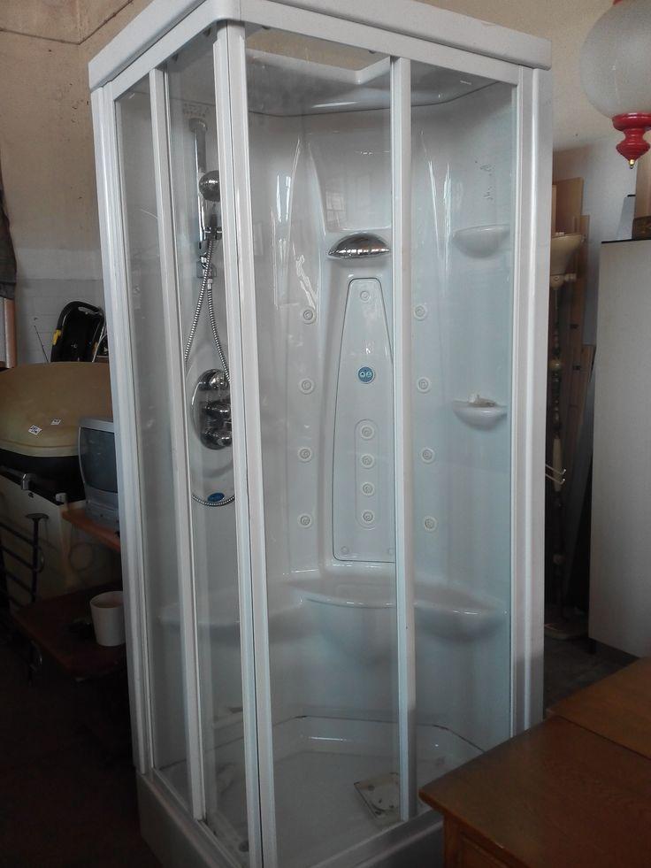box doccia idromasaggio. Valore commerciale 700€, offerta libera.
