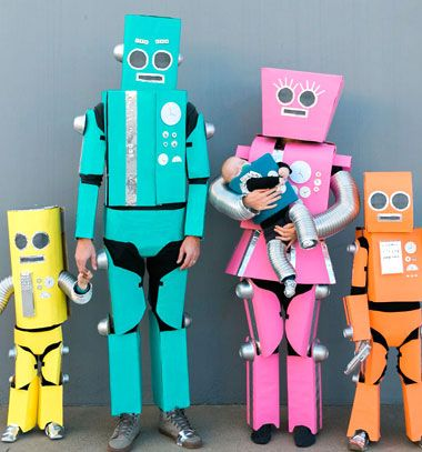 Robot family - DIY robot costume from cardboard boxes // robot család - robot jelmez karton papír dobozokból // Mindy - craft tutorial collection // #crafts #DIY #craftTutorial #tutorial #DIYClothesForKids