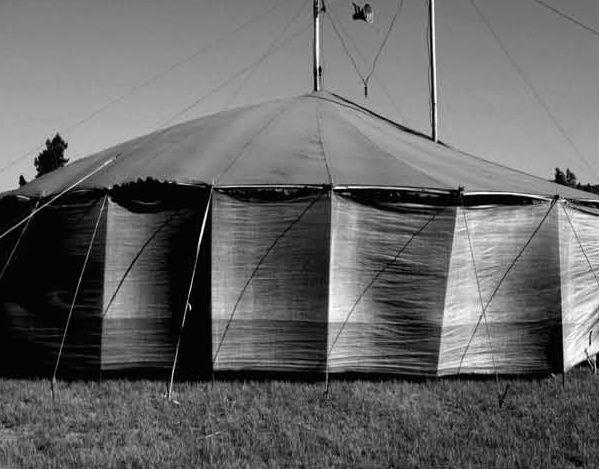 Galería - Primer Lugar Concurso Teatro Regional del Bío-Bío / Smiljan Radic - 16