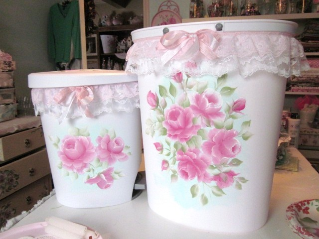 Two shabby sweet chic trash cans bing with my handpainted roses shabby chic decor pinterest - Shabby chic wastebasket ...
