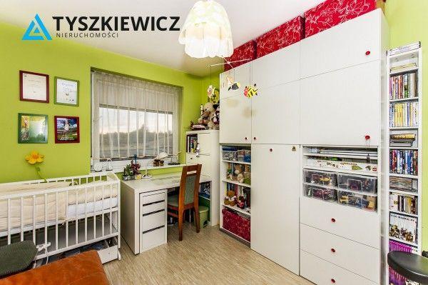 Słoneczne, dwupokojowe mieszkanie w świetnie skomunikowanej części Gdyni - Obłużu. Budynek z 2014 roku, docieplony. Nieruchomość w bardzo dobrym stanie, nie wymaga od przyszłego właściciela żadnych nakładów finansowych. Łącznie 2 pokoje, w tym 1 z aneksem kuchennym. W mieszkaniu rolety antywłamaniowe, duży balkon, ogrzewanie z lokalnej kotłowni gazowej. #gdynia #mieszkanie #morze #trojmiasto CHCESZ WIEDZIEĆ WIĘCEJ? KLIKNIJ W ZDJĘCIE!