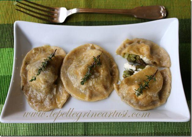 Le pellegrine Artusi: Ravioli agli asparagi e feta