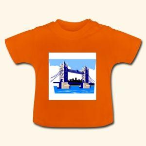 Baby-T-skjorte T-skjorte med korte ermer for baby og småbarn. For at man skal kunne kle på og av T-skjorten på en enkel måte, er det trykknapper av nikkelfritt materiale på venstre skulder, slik at man kan forstørre åpningen med knappene. Dette produktet ble fremstilt i Afrika under kontrollerte produksjonsbetingelser. Stofftetthet: 200g/m². 100 % bomull.