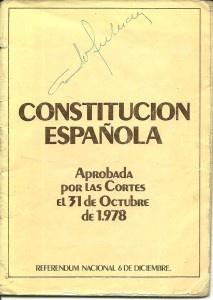 Autógrafo de D.Adolfo Suarez en la Constitución Española.