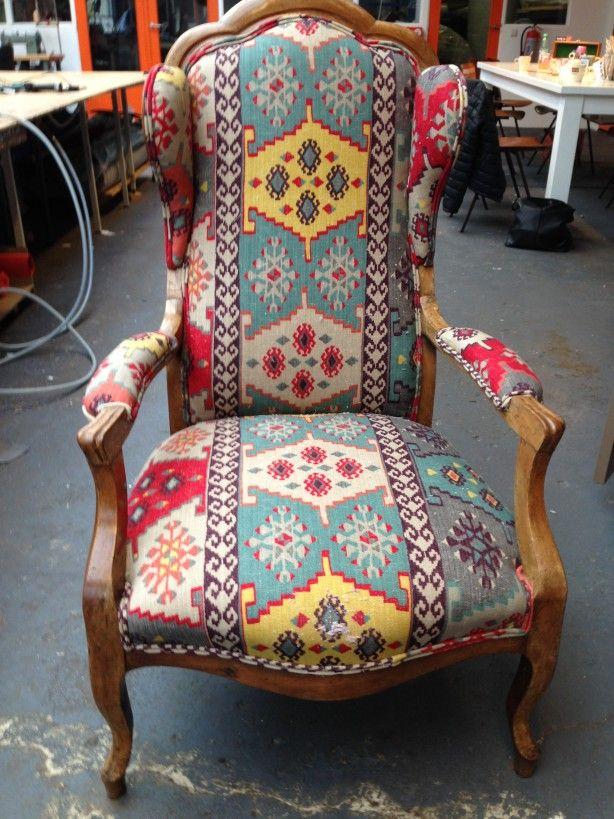 Leuke stoel in Gypsy stof! U kunt het ook leren!#cursusstofferen#arnhem#ateliercursusenzo