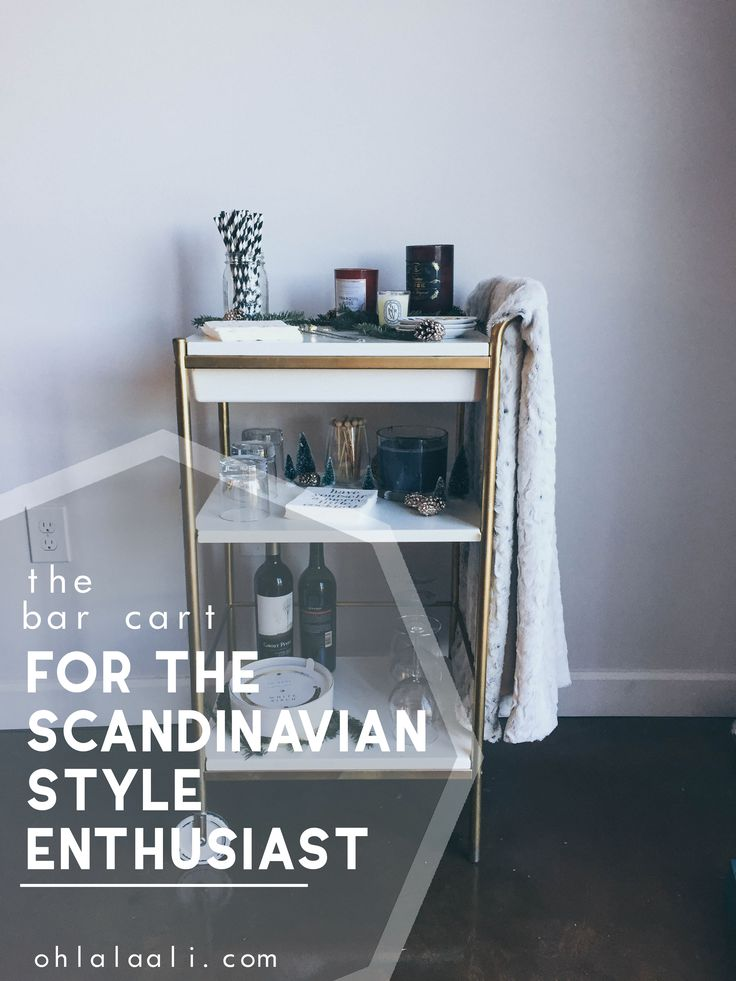 Like a more non-traditional Scandinavian style of holiday decorating? You'll love this modern, natural bar cart for the Christmas season!