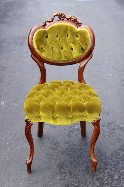 This is my inspiration for recovering my mauve rocker.  Chartreuse velvet!  If only upholstery velvet weren't so pricey.