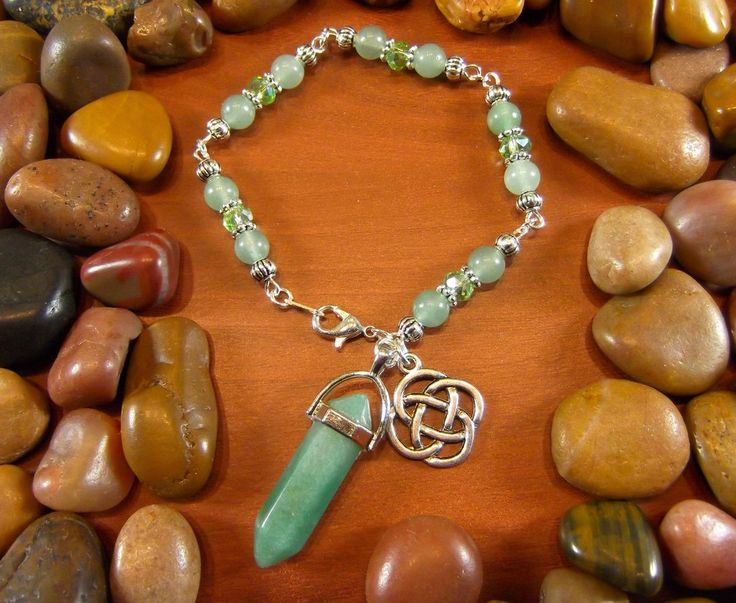 Green Aventurine Celtic Dara Knot Crystal Talisman Bracelet Use coupon code PINTEREST10 to get 10% off your order at starshinebeads.com