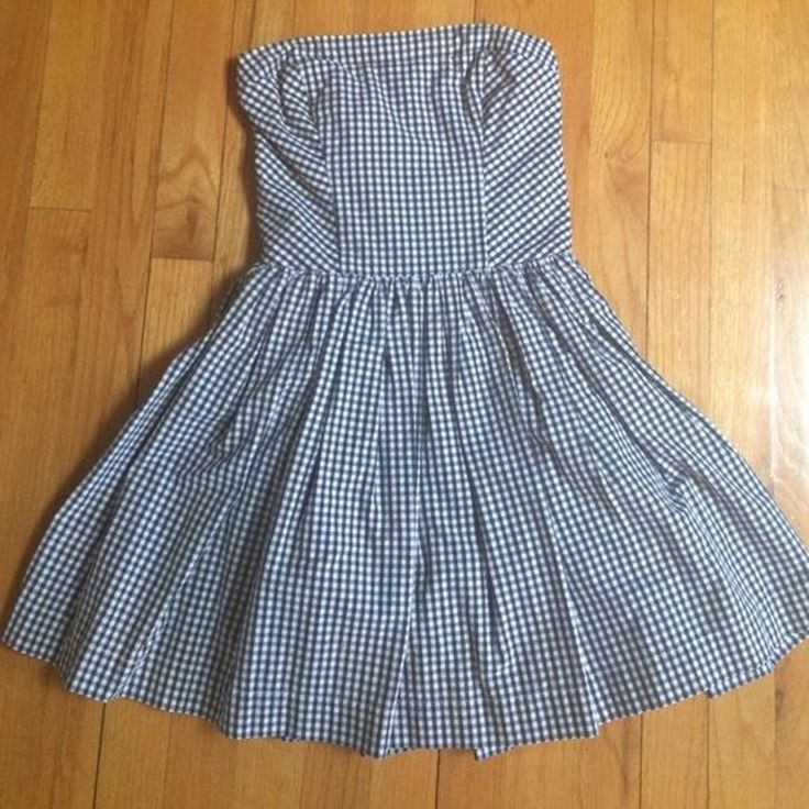 a583f40d8e1f8f Abercrombie   Fitch Plaid Strapless Dress. Size S so would a - Depop £10