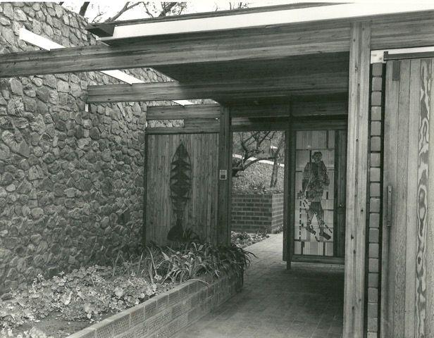 Kleinberg Entrance