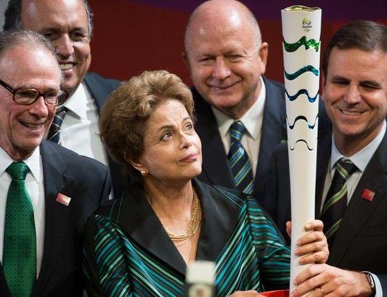 Modelo da Tocha Olímpica dos jogos Rio 2016 é revelado (Foto: Marcelo Camargo/Agência Brasil)