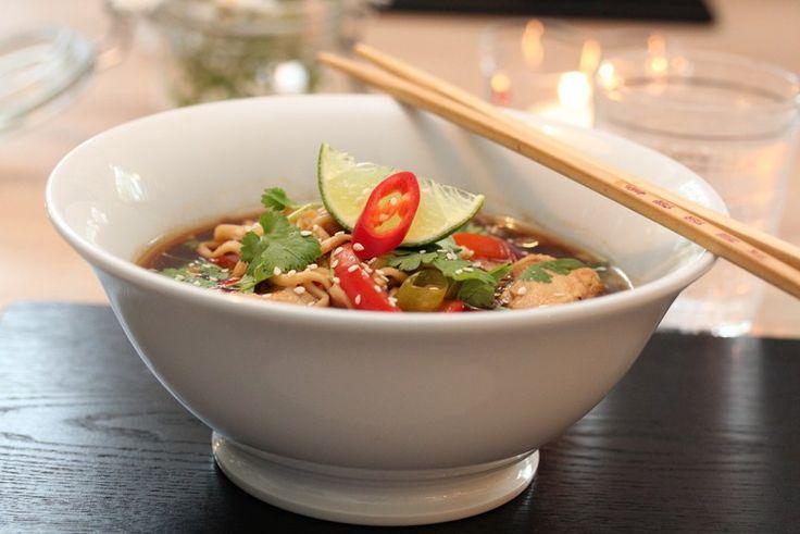 » Kjapp nudelsuppe med kylling og chili