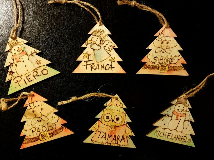 Biglietti natalizi fai da te! Alberini in legno #pirografia #acquerelli