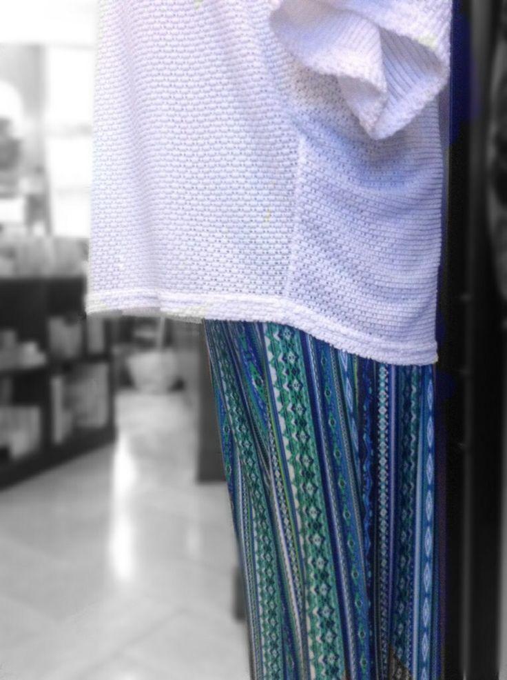 Panta Camilla fantasia turchese Blusa Grey baguette bianca