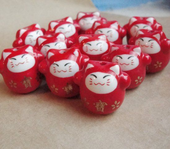Maneki neko beads