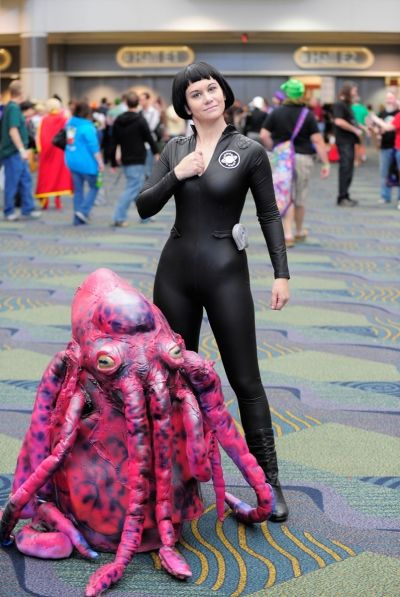 Holly Conrad hit the con dressed as Lailari from Galaxy Quest and she had a creature friend in tow.