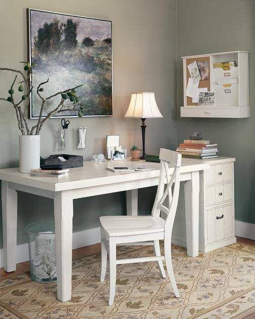 Imagen de http://www.estiloambientacion.com.ar/imagenes2/muebles-2/escritorios_10b.jpg.