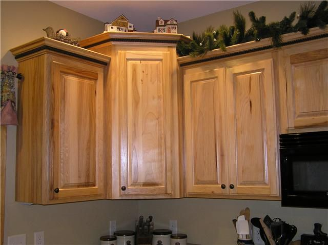 Kitchen ideas with hickory cabinets notice the crown for Kitchen molding ideas