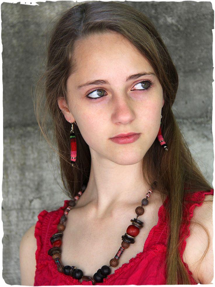 braccialetto e orecchini Manta orecchini e braccialetto artigianali in tessuto di Manta Peruviana  #LaMamita #ModaEtnica #ModaItaliana #ModaPrimavera #SpringFahion #SummerFashion #Ethnic #Accessori #Accessories #Orecchini #earrings #bijoux http://bit.ly/1F2u7aM