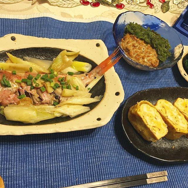 2016/11/15 17:58:29 meh_diet 【ダイエット】#晩ごはん . . こんばんわm(_ _)m . のんびり湯船入ってたらギリギリなってしまった😟💦 . 本当は煮付けにしたかったのに。。 あと一匹いるしまた作ろうヽ(*´∀`)ノ . 魚をもっと捌けるようになりたい。 来年の目標にする!!魚を正しく捌く!!! . 母から和食を教えてもらえないから独学ですが(´・c_・`) どなたか和食教えてください😂🙏 . さて、コーヒー飲んだら仕事行ってきます👋😃 . 本日は *金目鯛の酒蒸し *卵焼き〜おからとゴマ入り〜 でございます🙋 . . #低糖質#糖質制限#ゆるゆる糖質制限#ダイエッター#ダイエット仲間募集#ダイエット記録#ダイエット#公開ダイエット#ダイエット中#ダイエットメニュー#ダイエット日記#痩せる#健康#宅トレ#筋トレ#ワークアウト#Me流dietmenu  #健康