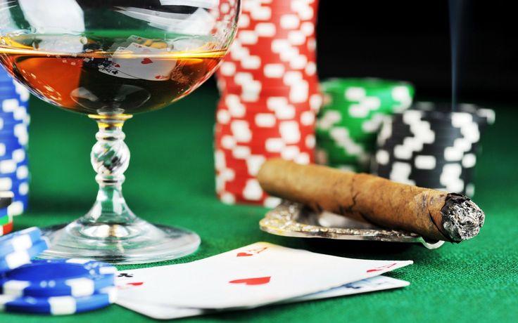 Avere fortuna non guasta mai, ma quello che serve per vincere a Texas hold'em è soprattutto conoscenza della teoria dei giochi e la possibilità di affrontare avversari con nessuna o una limitata e facilmente individuabile conoscenza della disciplina. L'hold'em è un gioco a strategia interattiva. (Daniele Rielli) http://poker.williamhill.it/giochi/texas-holdem/