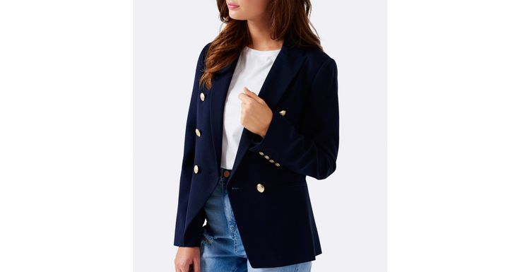 Layer up in style with our Libby Blazer, perfect to add a little polish to any ensemble.