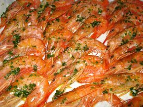 Gamberoni al forno ricetta sfiziosa dal sapore delicato.
