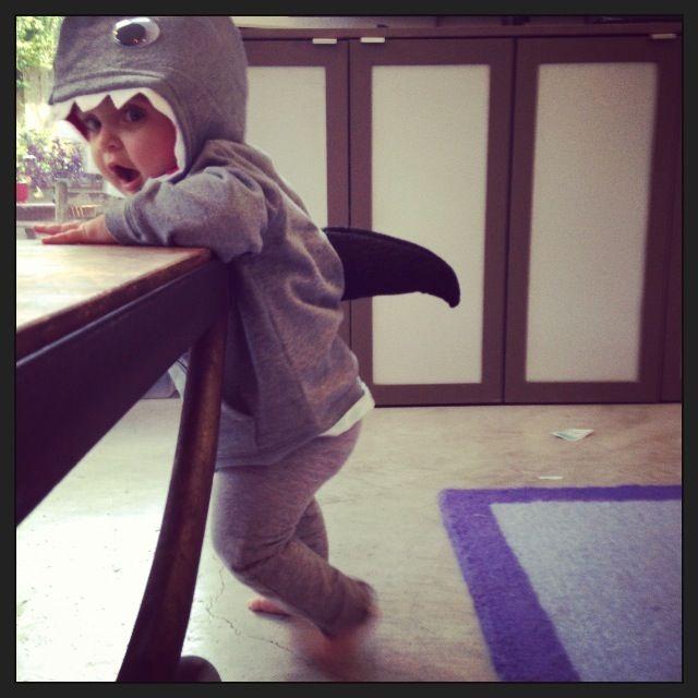 Halloween: DIY Shark Costume for Kids! So easy to make and ADORABLE