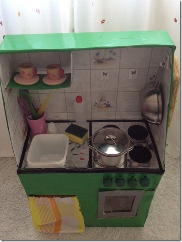 Come costruire una cucina per bambini con le scatole di cartone  How to build a kitchen for kids with cardboard boxes