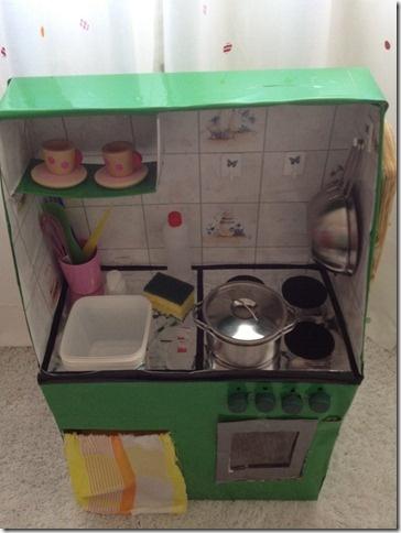 Come costruire una cucina per bambini con le scatole di cartone  How to build a kitchen for kids with cardboard boxes