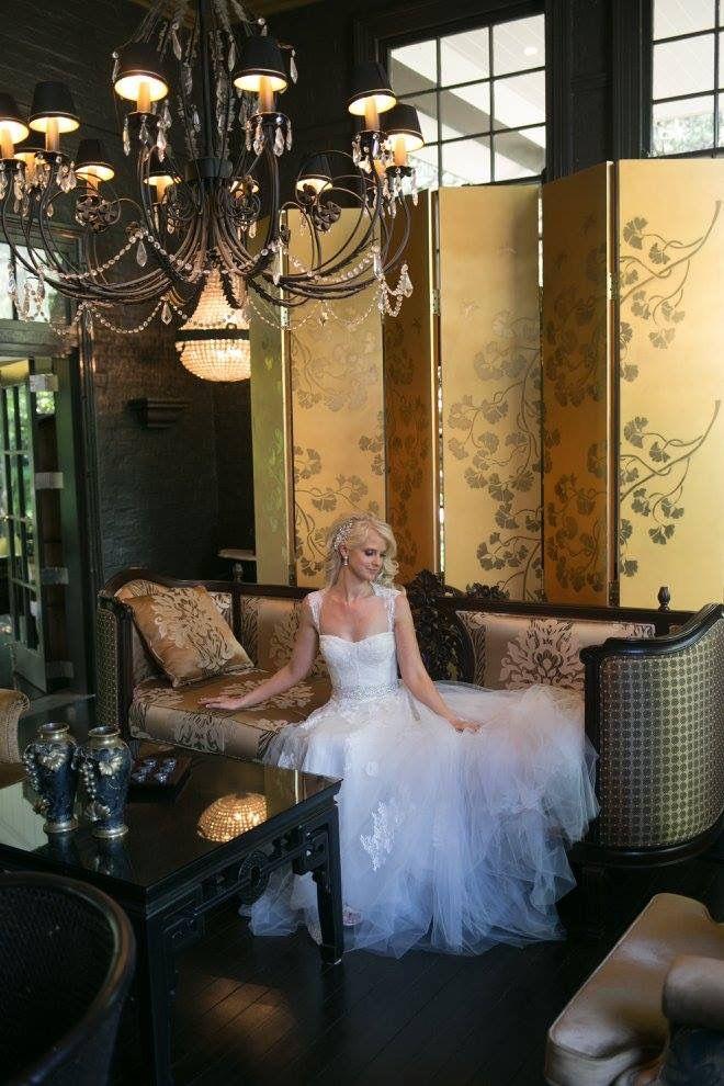 Lizzy wearing Monique Lhuillier #HRrealbride