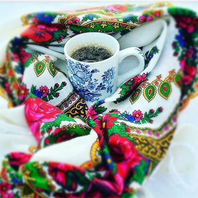 """~ """"make Coffee not war"""". • god morgon! Vaknar upp till nyheter som gör att denna dagen känns mörk och dyster och världen känns ännu lite mer osäkrare... #kaffe #rolfsdotterdesign @rolfsdotterdesign  #veckansidol #adoremycupofcoffee #inredningsinspiration #bliinspirert #inredningochdesign1 #levaobo #shabby_chichomes @shabby_chichomes #interior123 #interior4all #interiorforinspo #interiorandhome #feelfreefeed #vakrehjemoginterior #vackrahemsverige #dalarna #unike_hjem #skönahem #vakreverden…"""